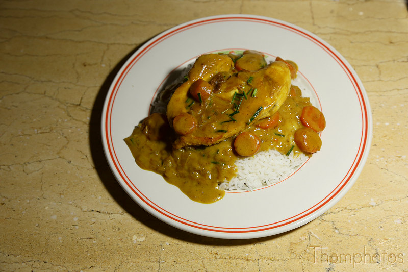 cuisine cooking plat repas meal maison hand made craft curry jaune yellow de poulet chicken riz rice