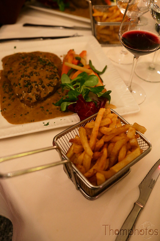 cuisine steak meat frites french fries resto restaurant